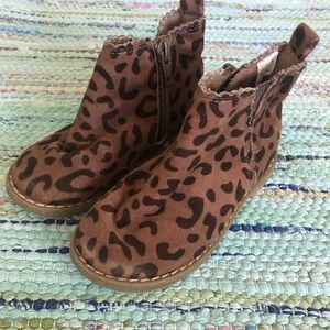 Gap Leopard Print Toddler Booties Size 7